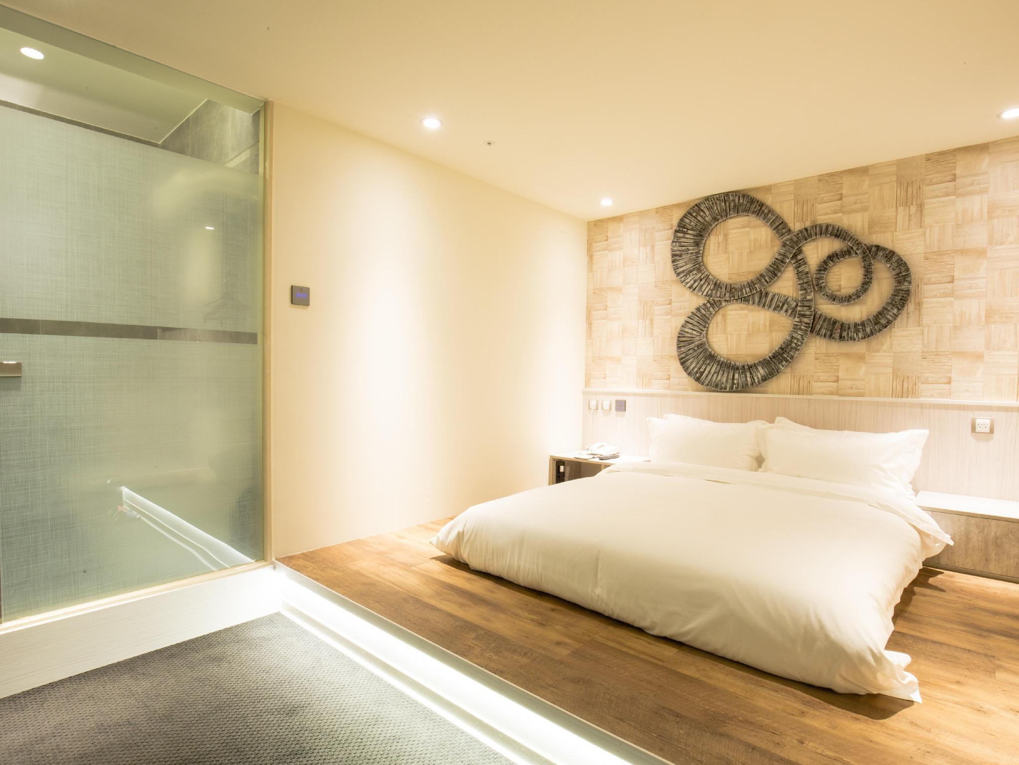 Hotel fun ximen taipei ximending taiwan hotels for Design ximen hotel ximending