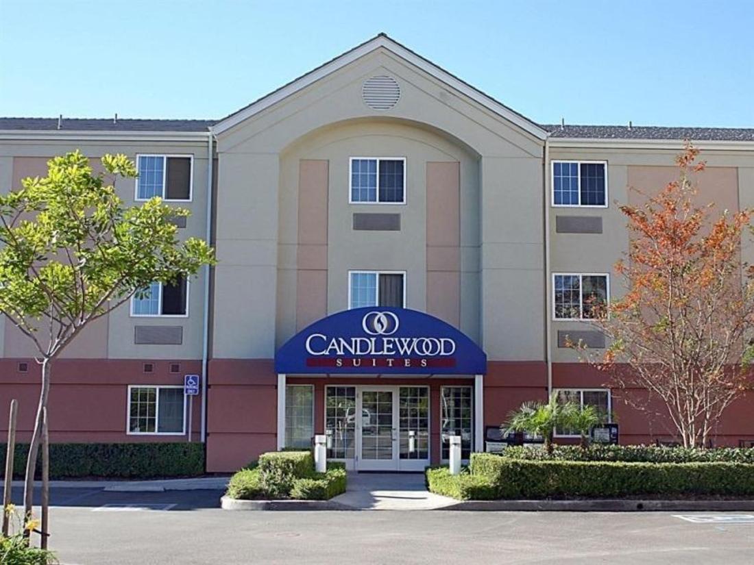best price on candlewood suites orange county irvine. Black Bedroom Furniture Sets. Home Design Ideas