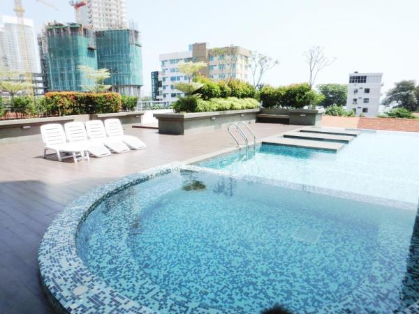 The holiday residence gurney drive penang malaysia great discounted rates for Gurney hotel penang swimming pool