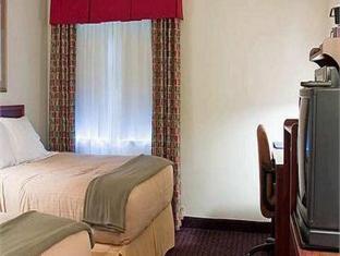 Holiday Inn Express Litchfield Hotel Litchfield (IL) - Guest Room
