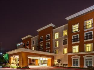 Embassy Suites Hotel in ➦ Valencia (CA) ➦ accepts PayPal