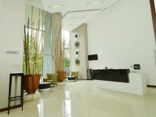 2BR Luxury Resort Apartment with Spectacular View- Colombo City Center