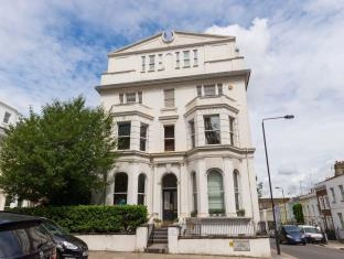 Veeve  2 Bed Flat With Roof Terrace Campden Hill Gardens Notting Hill