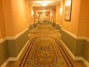 888 Deluxe Suite at Signature Condo Hotel