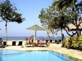 The Benoa Beach Front Villas Bali - Piscină