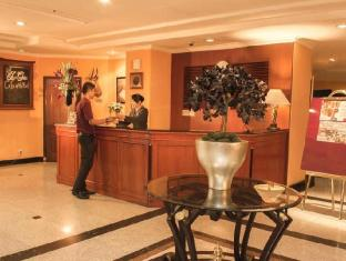 Travellers Suites Serviced Apartments Medan - Recepción