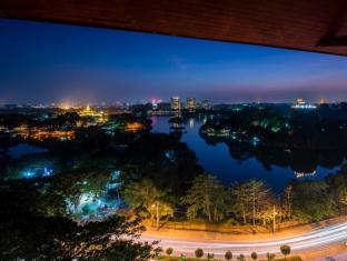 Chatrium Hotel Royal Lake Yangon Yangon - Panoramic view from Royal Lake Suite