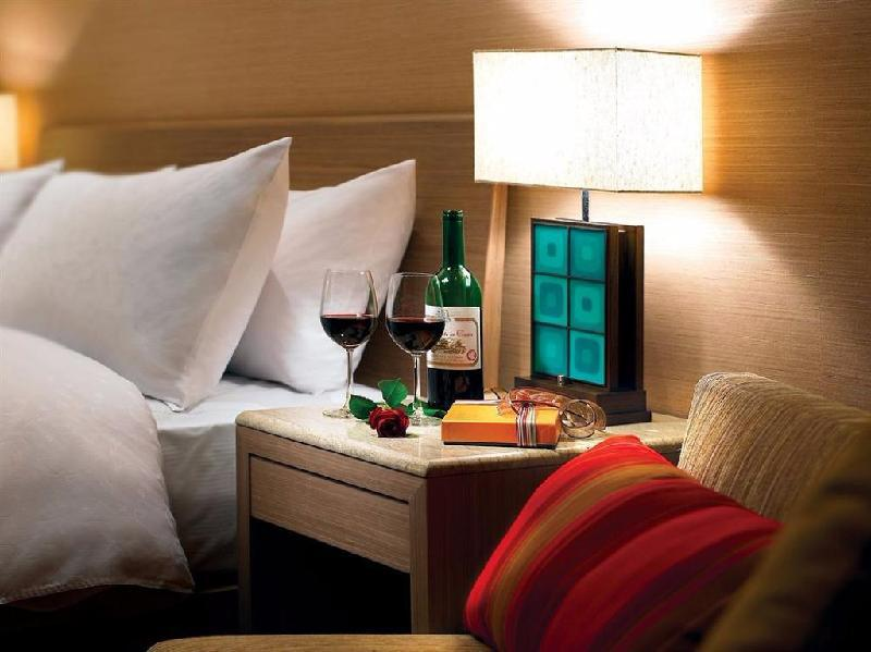 Royal Lake View Suite With Dinner (2 People) 5-8f