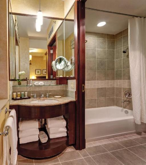 ➦  HK Hotels    (New York) customer rating