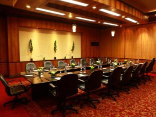 Waterfront Airport Hotel and Casino Mactan Mactan Island - Meeting Room