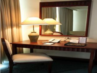 Grand Regal Hotel Davao Davao - Hotellihuone