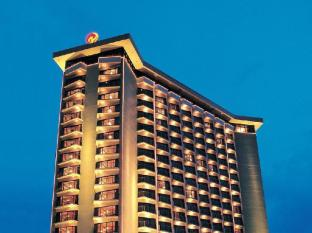 Century Park Hotel Manilla - Hotellet från utsidan