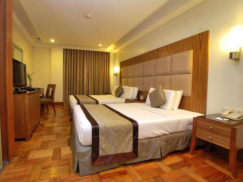 ロータス ガーデン ホテル (Lotus Garden Hotel)
