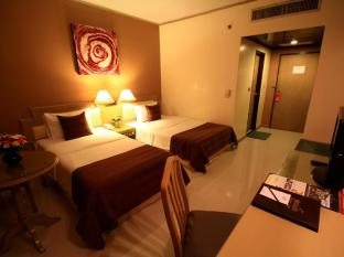 Pinnacle Lumpinee Park Hotel Bangkok - Deluxe Room
