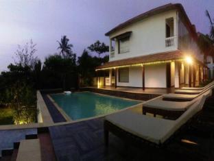 Shining Sand Beach Hotel - Goa