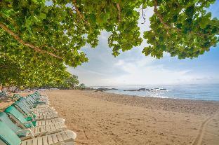 ロゴ/写真:First Bungalow Beach Resort
