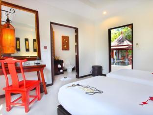 The Bell Pool Villa Resort Phuket Phuket - 3rd Bedroom with Private Bathroom