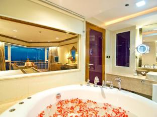 Royal Cliff Beach Hotel by Royal Cliff Hotels Group Pattaya - 2 Bedrooms Theme Suite Bathroom