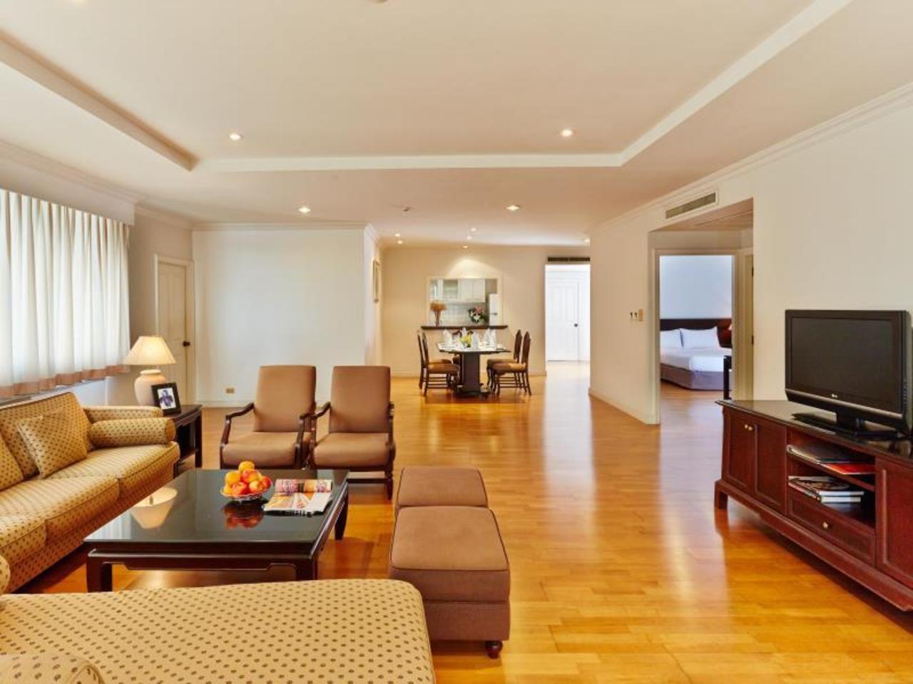 ริเวอร์ไรน์ เพลส เซอร์วิส อพาร์ทเมนท์ (Riverine Place Service Apartments)