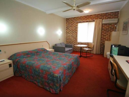 Moonraker Motor Inn hotel accepts paypal in Parkes