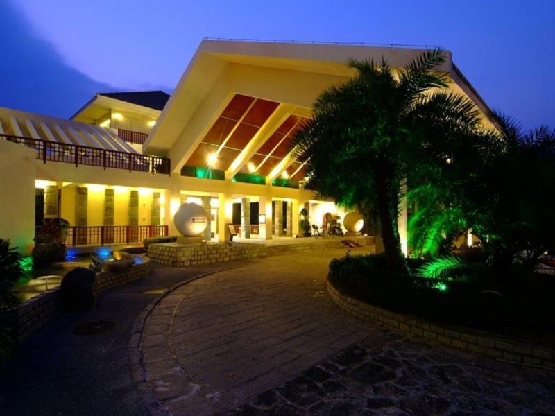 China Hotel Accommodation Cheap | Entrance