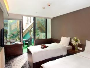 Hotel Bonaparte By Rhombus Hong Kong - Executive-with Free extra bed(2 adults & 2 children)