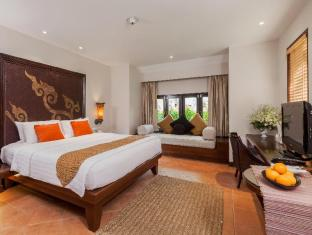 Moevenpick Resort & Spa Karon Beach Phuket Пхукет - Вітальня