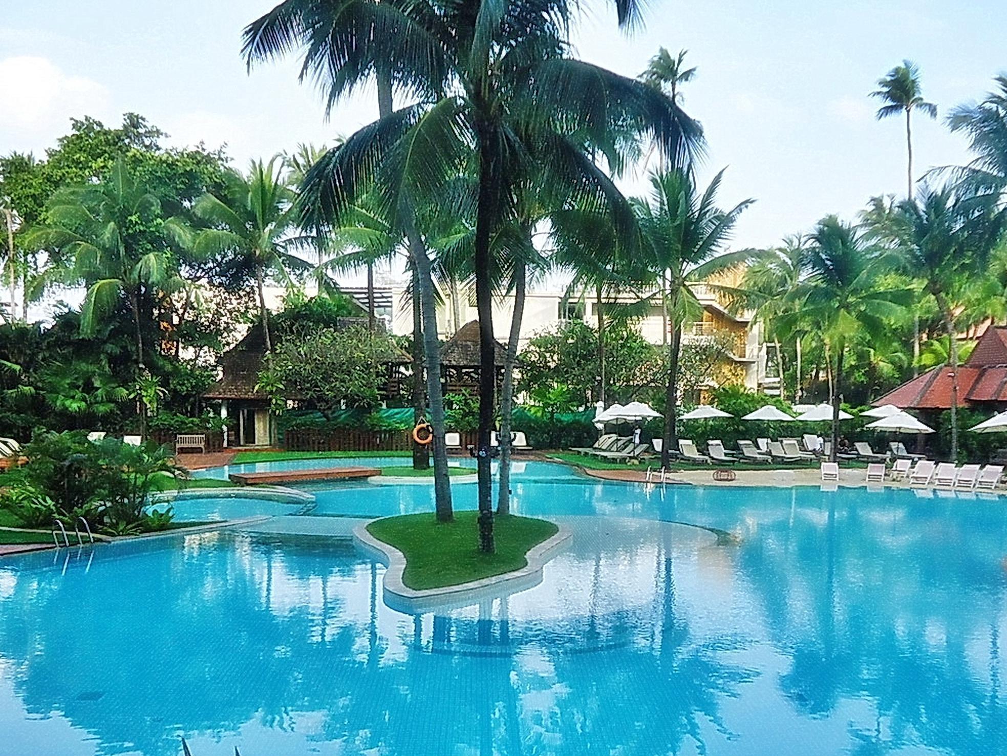 โรงแรมป่าตอง บีช