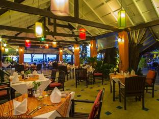 Amora Beach Resort Phuket - Restaurant