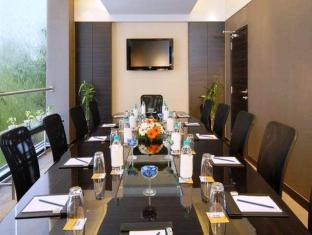 Grand Hometel A Sarovar Hotels Mumbai - Meeting Room