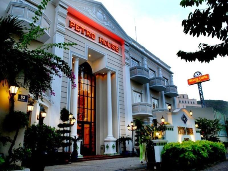 Petro House Hotel1