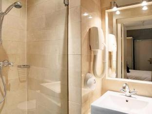 Best Western Saint Martin Bastille Paris - Bathroom
