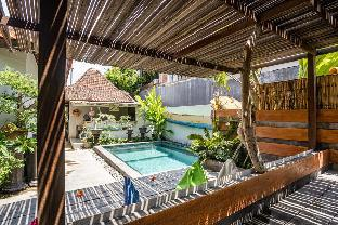 RedDoorz Hostel near Sanur Beach Harbour