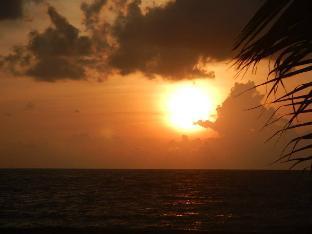 C & J Sunset View Beach Resort