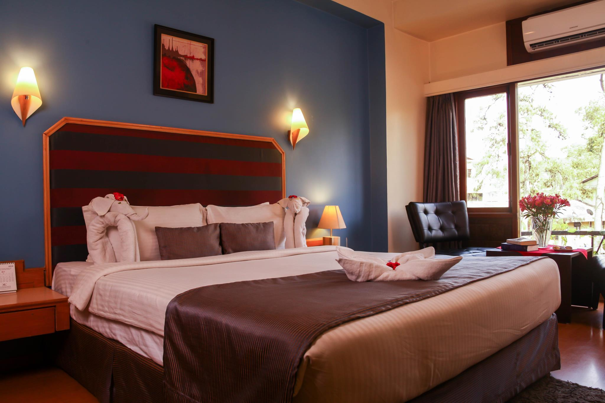 Mirage Two Bedroom Tower Suite Polo Towers 2 Bedroom Suite Custom Suites At The Jockey Club Las