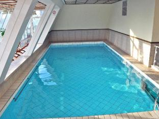 Savoy Hotel Frankfurt am Main - Swimming Pool