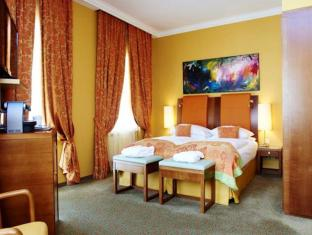 Small Luxury Hotel Das Tyrol Vienna - Guest Room