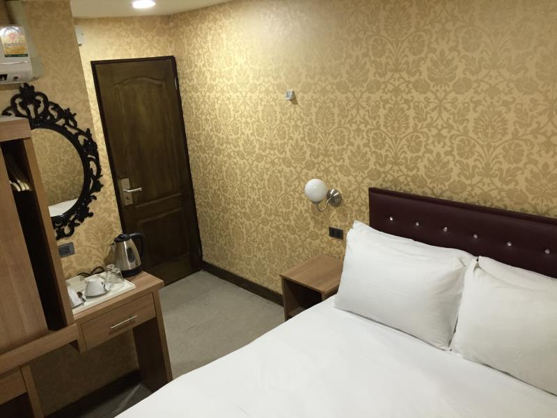 氛围套房酒店,โรงแรมแอมเบียนซ์ สวีท