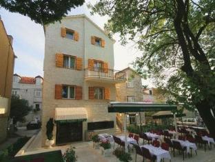 Get Coupons Hotel Trogir