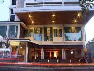 Premium Legian Hotel