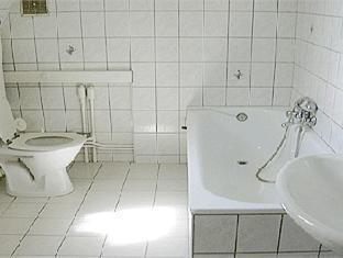 Hotel Foch Metz - Bathroom