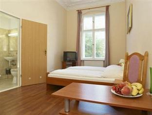 Hotel Eden am Zoo Berlin - Guest Room