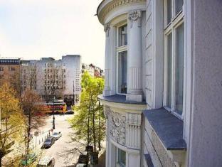 호텔 아스트리드 암 쿠르푸에르스텐담 베를린 - 호텔 외부구조