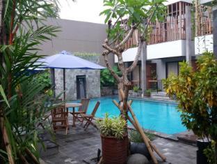 Grand Laguna Hotel & Villa -