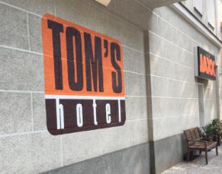Promos Toms Hotel (Gay Hotel)
