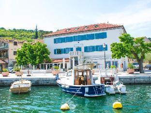 The Admiral Zaton Hotel
