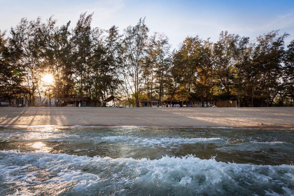Mumsa Beach Bungalows & Resturant