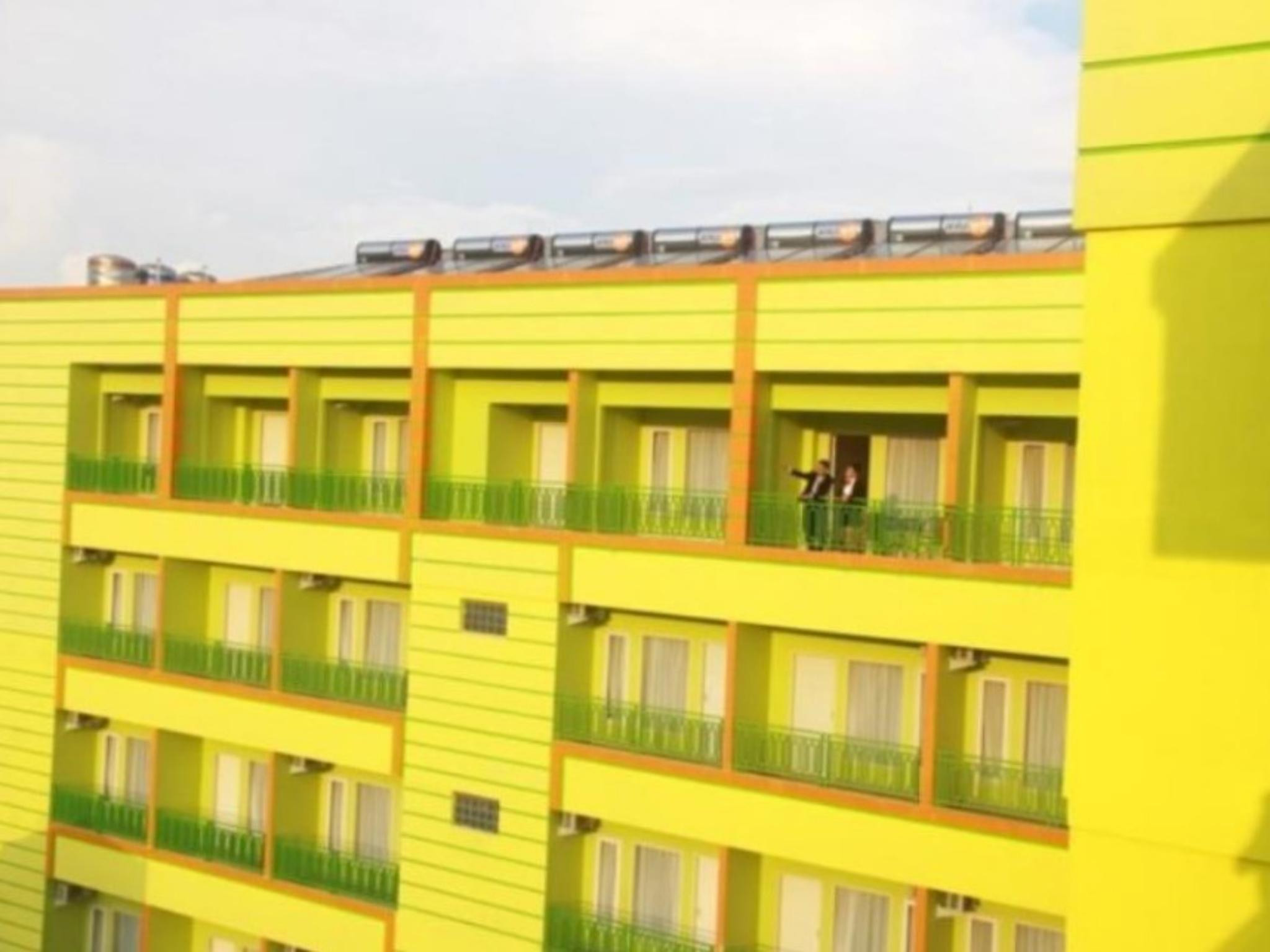 Hotel Muara Hotel and Mall Ternate - Jalan Merdeka no 19 Ternate - Maluku Utara 97724 - Ternate
