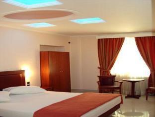 Brazil Hotel – Athens 4