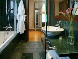 Eridanus Luxury Art Hotel Athens - Bathroom